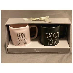 Rae Dunn Bride To Be and Groom To Be Mug Set 🥂